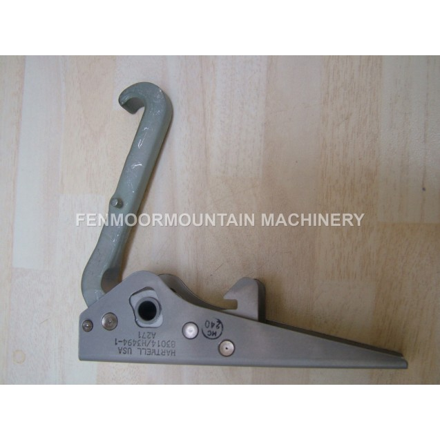 GT40-Body-catches-Hartwell-concealed-aircraft-hook-latch-83014-H3494-1-AIRCRAFT